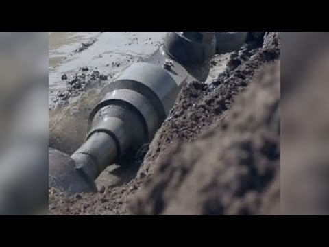 China-Myanmar crude oil pipeline begins to flow