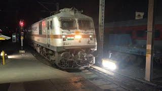 12171/Mumbai LTT - Haridwar AC Express With WAP7 Throttle Bhopal Junction with Massive Honking!! [4K