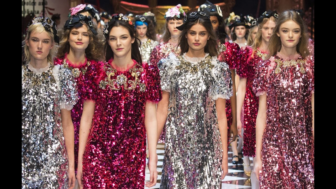 Spring 2017 Beauty Trend Report How To Wear Glitter: Dolce & Gabbana Fall 2016 Ready-to-Wear MFW