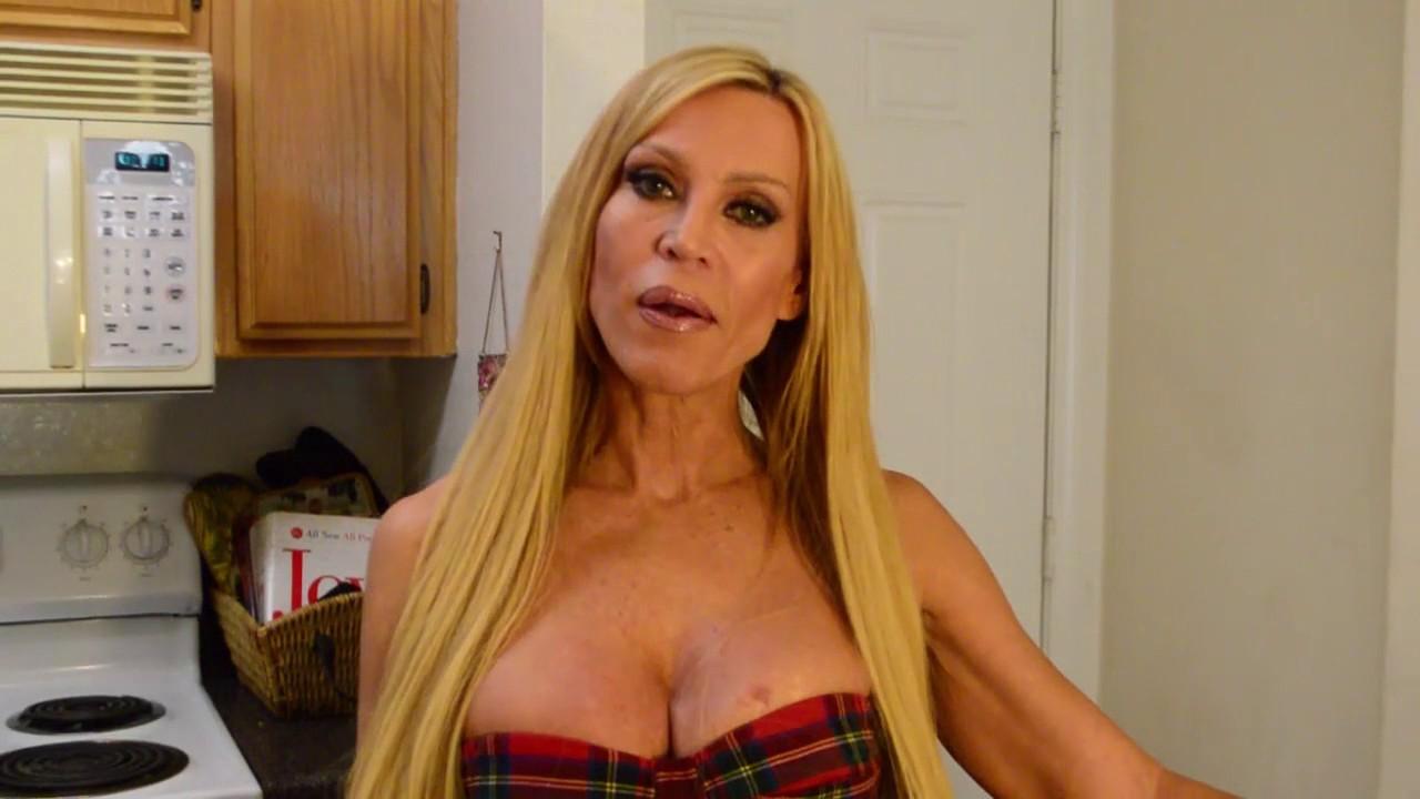 Amber Lynn Porn Clips amber lynn - videos - legendary adult star - amber lynn