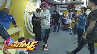 it s showtime mor 101 9 djs   mannequin challenge