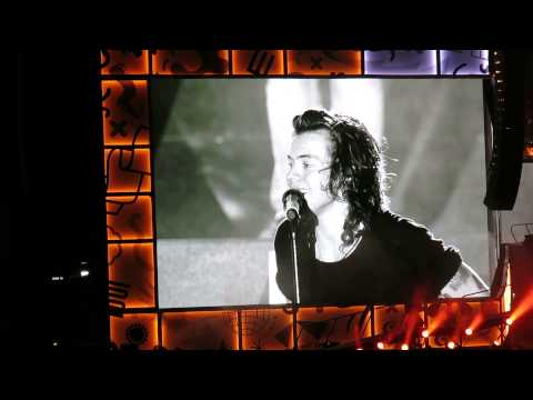 HARRY TALKING AND NIGHT CHANGES || One Direction OTRA Feb 7 2015 Sydney HD