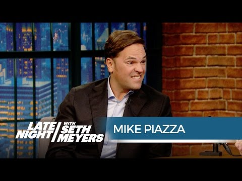 Mike Piazza Revisits His Regrettable Rookie of the Year Look - Late Night with Seth Meyers