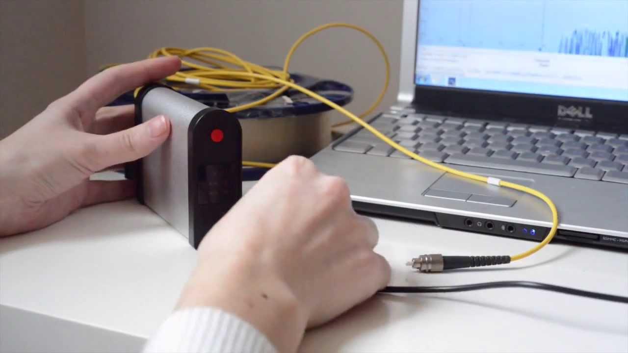 Оптические рефлектометры позволяют измерять характеристики оптического волокна при помощи таких физических явлений, как релеевское рассеяние и френелевское отражение. Для этого в волокно посылается световой импульс с последующим измерением времени его распространения и.