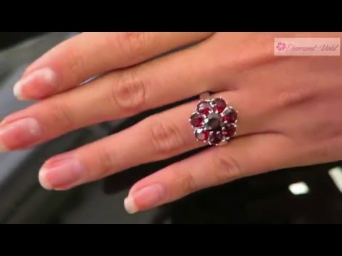 Estate Vintage 4 91CT Garnet Cluster Ring