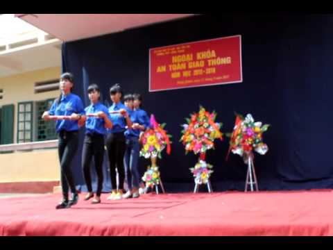 Múa từ một ngã tư đường phố Trường THPT Hồng Quang