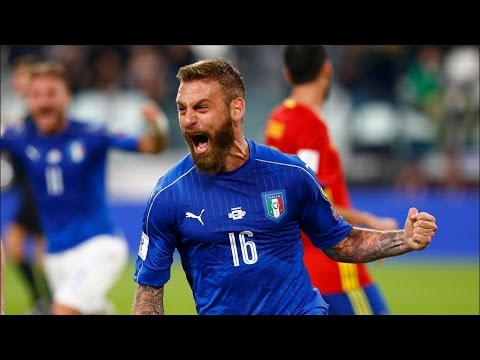 2018 FIFA World Cup Qualifier | Italy'sDaniele De RossiScores Late Penalty To Draw 1-1 With Spain