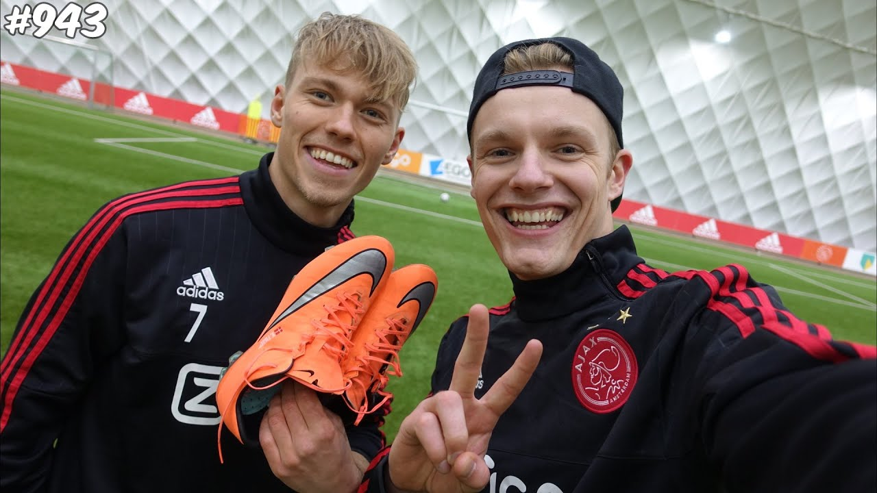 How To Cancel Uber >> VOETBALLEN BIJ AJAX! - ENZOKNOL VLOG #943 - YouTube