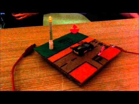 Proxectos de Tecnoloxía: Faro e vela máxica
