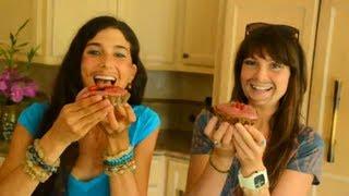 Kristina & Megan Make Raw Love Pies!