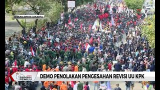 Laporan Vidi Batlolone: Polisi Pasang Kawat Berduri dan Beton untuk Halangi Massa