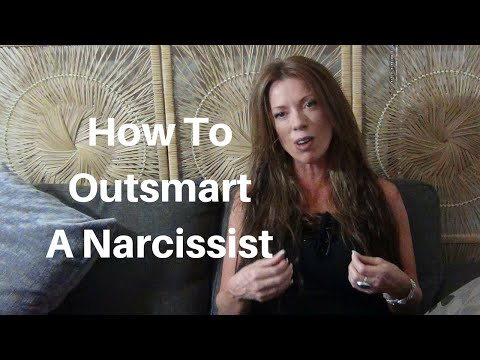 How To Outsmart A Narcissist The Right Way - YouTube