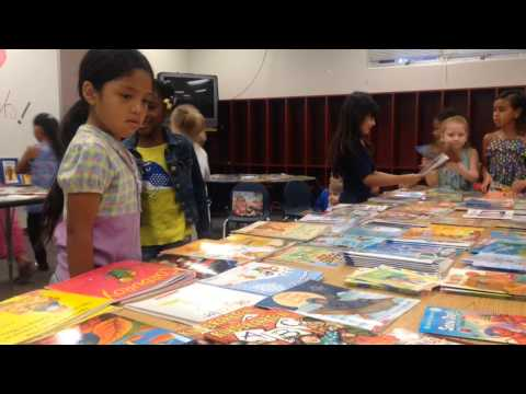 Moody Elementary students get free books on last day of school in Manatee County