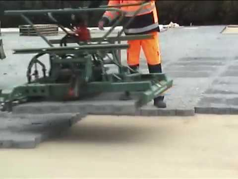 HUNKLINGER Pflastern - big harbour projects, port paving, interlock tiles, installation machine
