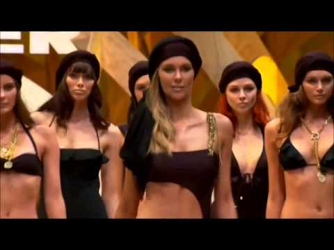 TOP MODEL JENNIFER HAWKINS