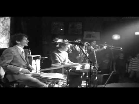The Bamboos - Theme (Live)