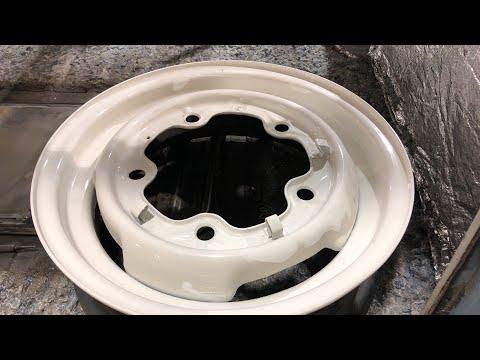 VW - Hub Cap - Clip and Rivet