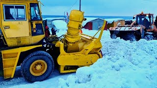 Сахалин превратился в снежную пустыню. Под снегом город Холмск