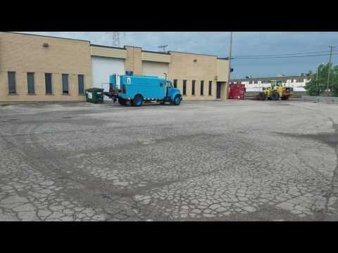 International 4700 service truck for sale in Berkeley IL