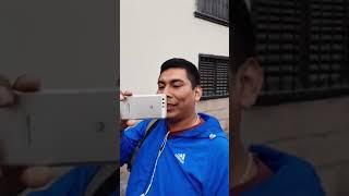 POLICÍA NO UTILIZA EL CINTURÓN DE SEGURIDAD AL CONDUCIR UN VEHICULO