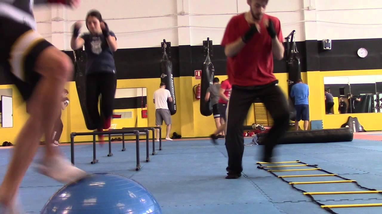 Circuito Fuerza Resistencia : Clase de boxeo circuito fuerza y resistencia youtube