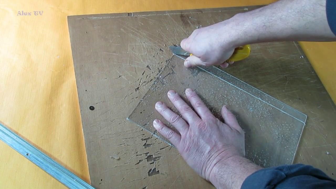 acrylglas plexiglas bis 5 mm in kleine st cke selber schneiden youtube. Black Bedroom Furniture Sets. Home Design Ideas