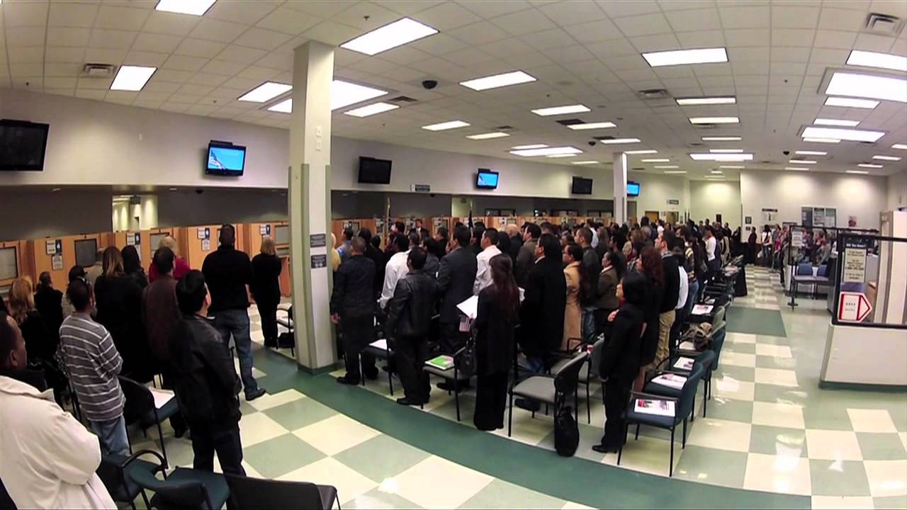 Us Citizenship Oath Taking Ceremony Youtube