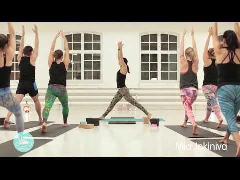 Mayurasana - riikinkukon siivin / 45min / Mia Jokiniva / Flow yoga 2-3