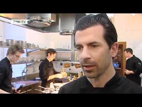 Der Schweizer Andreas Caminada, jüngster Drei-Sterne-Koch Europas | euromaxx