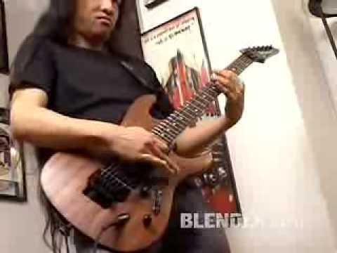 aneh banget_suara gitarnya...