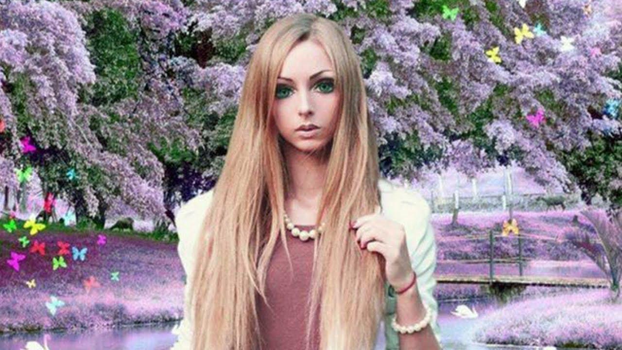 Lady that looks like a barbie doll 6