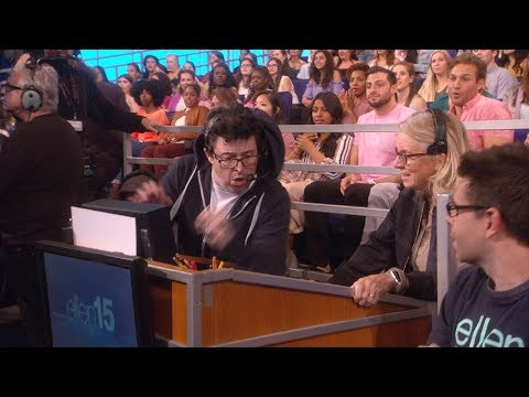 Kristen Bell Pulls Off a Scare on Andy