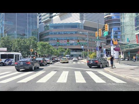 Driving Downtown - Ivy League University - Philadelphia USA