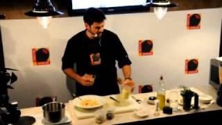 Салат c креветками в кляре и омлетом с оливками, часть 1