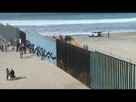 شاهد: قافلة المهاجرين من أميركا الوسطى تتجمع جنوب كاليفورنيا والجيش الأميركي لهم بالمرصاد …  - 18:54-2018 / 11 / 16