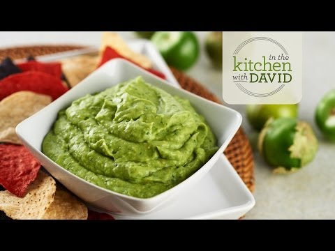 How to Make Tomatillo Guacamole