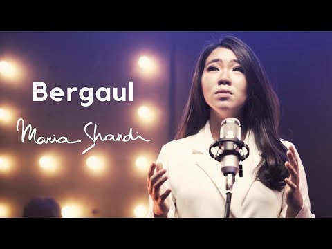 Bergaul (Official Music Video) - Maria Shandi
