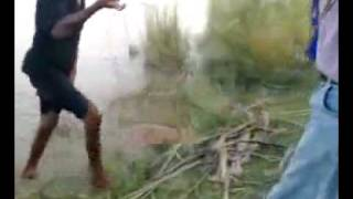 fishing in Pakistan  caught Rohu from Punjnad Bhakri on 11th Sep 2009.mp4
