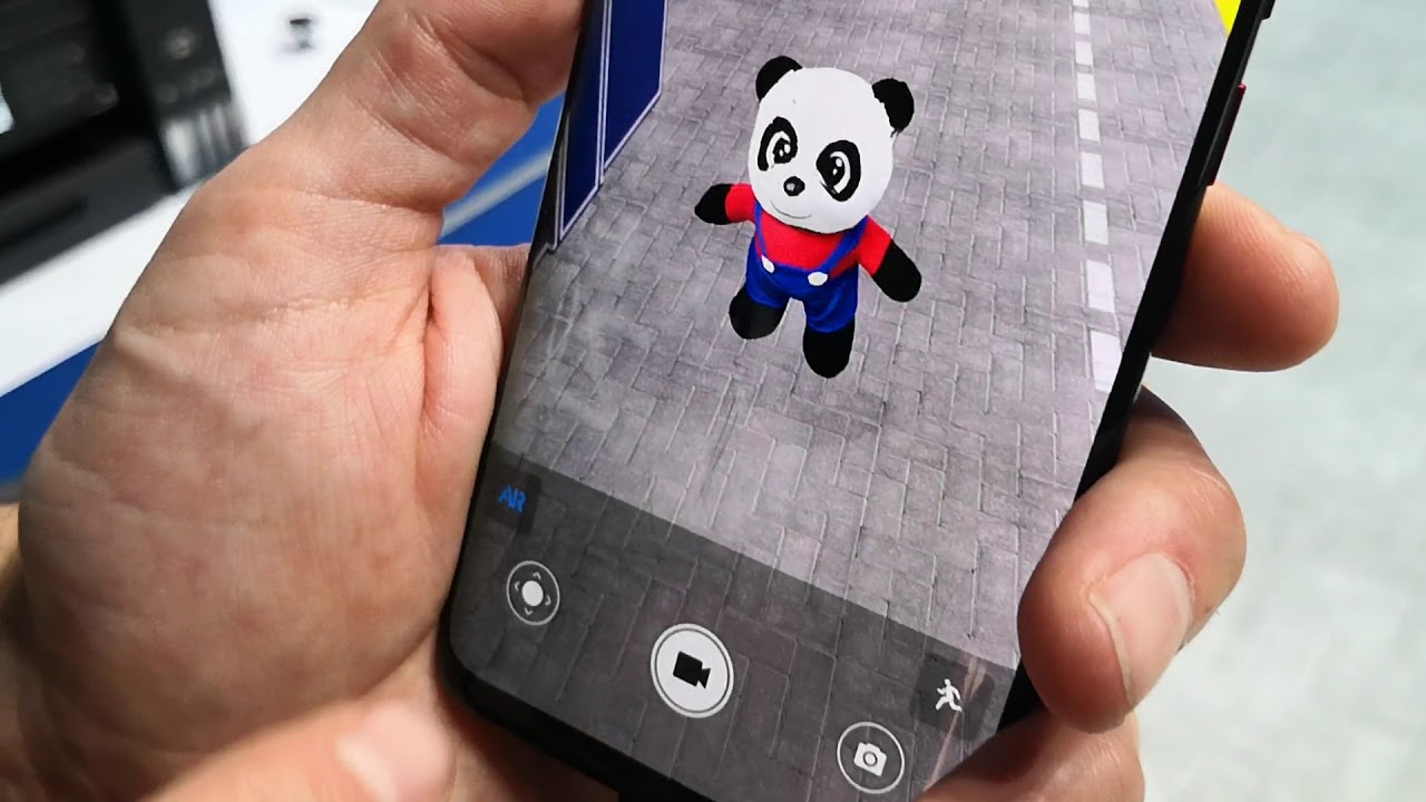 Huawei Mate 20 Pro 3D scanning camera | 3D Live Emoji Panda