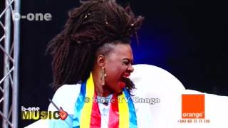 Nathalie Makoma face a Papy Mboma, b one Music
