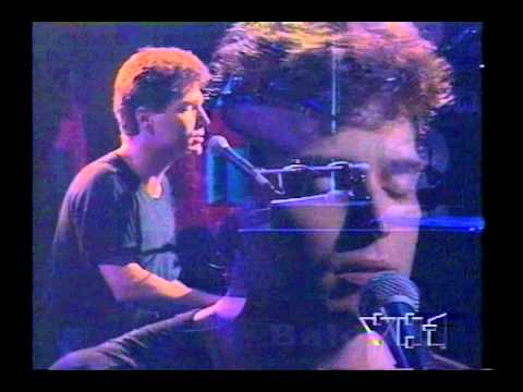 RICHARD MARX - WAY SHE LOVES ME - RIGHT HERE WAITING (LIVE)
