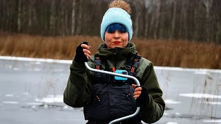 ЖЕРЛИЦЫ НА БОЛОТЕ. Устала бегать ЗА ЩУКОЙ! Зимняя рыбалка 2020 - 2021. #219