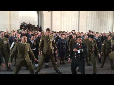 A beautiful Haka to conclude Anzac Day / Een mooie Haka om Anzac Day af te sluiten.