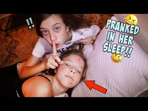 PIMPLE PRANK ON MY SISTER WHILE SHE IS SLEEPING!! thumbnail