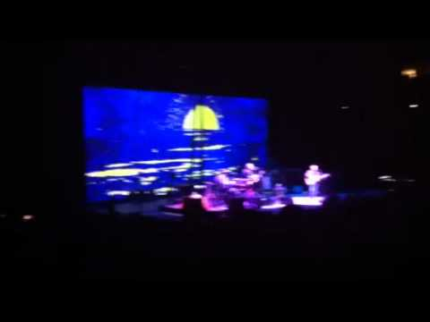 Paul Simon Live in Omaha- Here Comes the Sun.