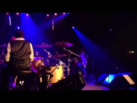 Tony Toni Tone - It Never Rains in Southern California LIVE