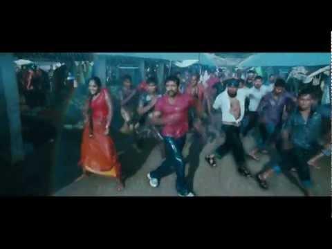 Wet and Sexy Girl Dancing ('Naane Indhiran' -Singam)