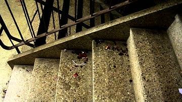 Kakkaa Hervannan uimahallin portaissa