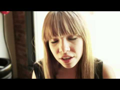 Carly Rae Jepsen - Cup of Tea - Green Couch Session