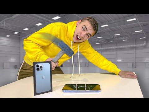 УТОПИЛИ Новый iPhone 13 Pro ! **За Нами Следит ХАКЕР**